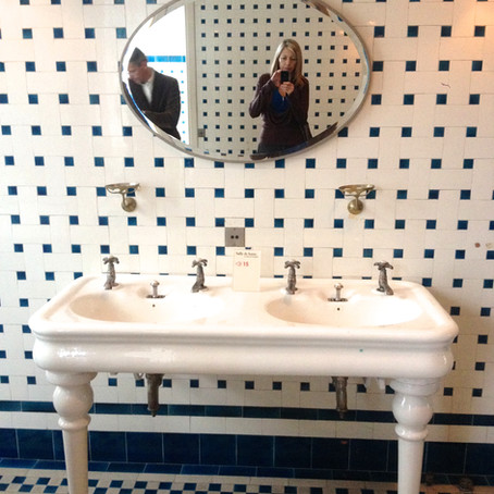 Salle de bain et cuisine de style du début du 20eme siècle ! Musée Nissim de Camondo - Paris