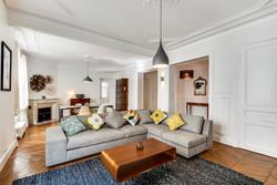 Decorexpat Haussmann salon 2.jpg