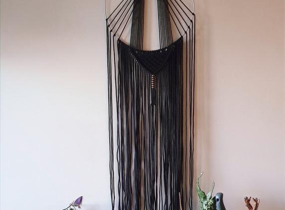 black-hoop-art