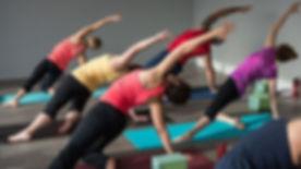 Vinyasa-Yoga-722x406.jpg