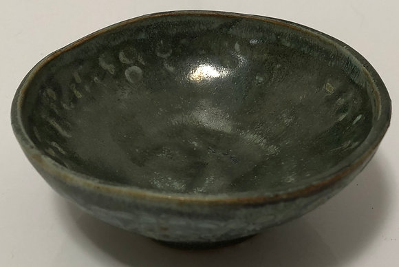 Hammered green snack bowl