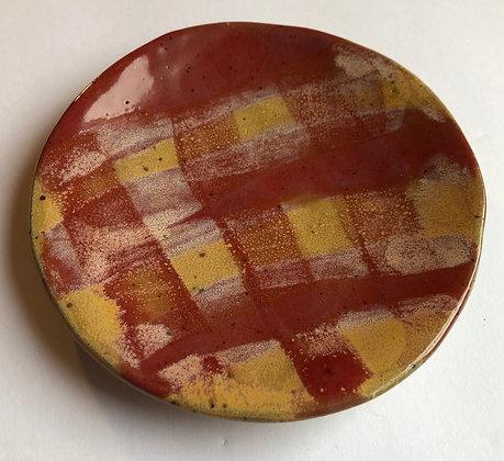 Gingham picnic plate