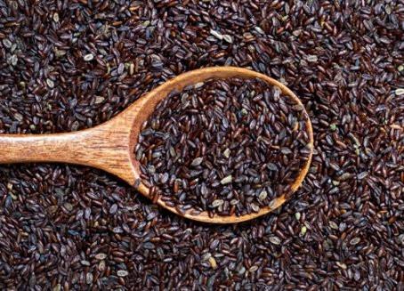 I semi di psillio degli ottimi regolatori dei principali disturbi di irregolarità intestinale