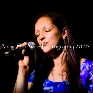 Jessica Lark Abs Music 140320 (120).jpg