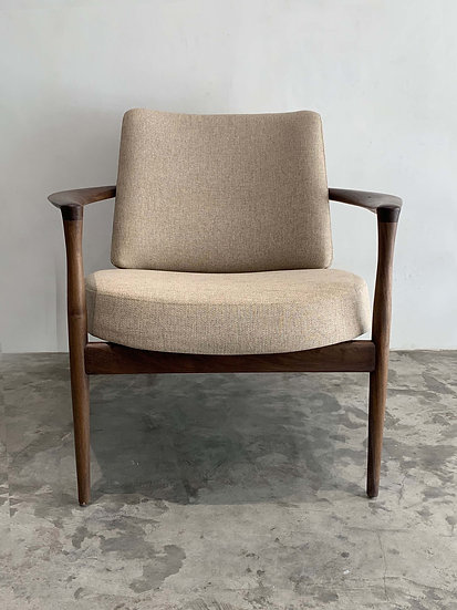 HEMING ARMCHAIR