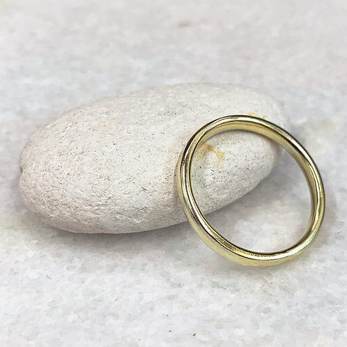 9ct yellow recycled gold wedding ring.