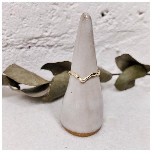 Organic V-shaped wedding ring