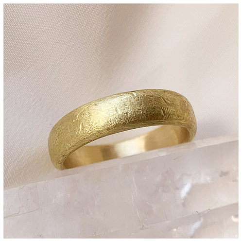 5mm Soft D-shaped textured wedding ring