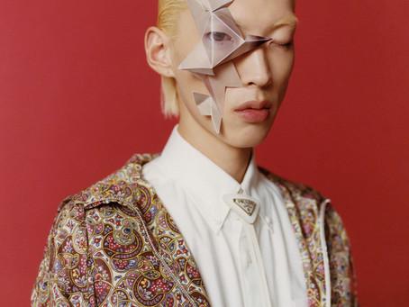Máscaras, joyas y maquillaje como protesta para comprometer el reconocimiento facial.