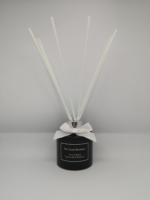 Black Glass Luxury Reed Diffuser with Silver cap and white reeds