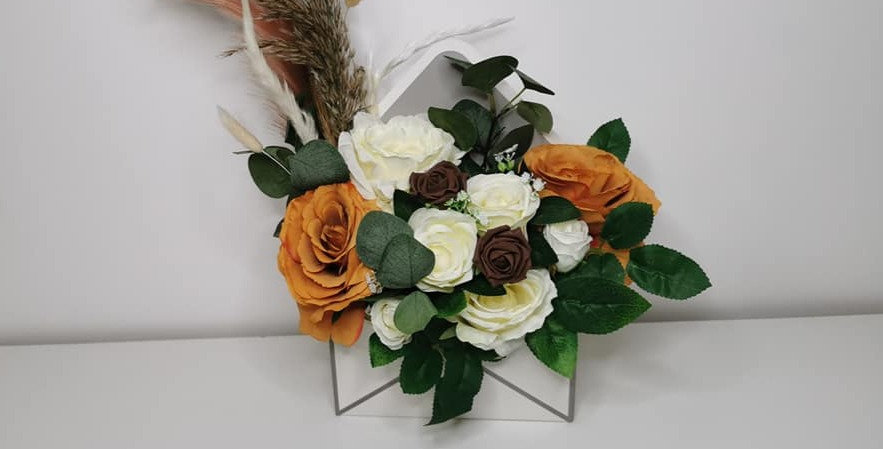 Envelope floral box
