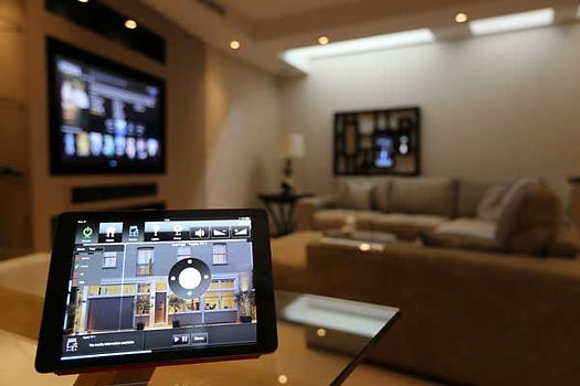 323-techs-home-automation.jpg