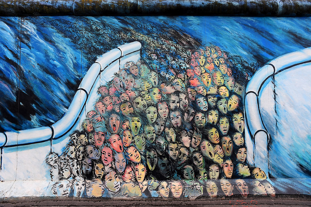 Painting by Kani Alavi on the Berlin Wall in former East Berlin / Anthony on Flikr.