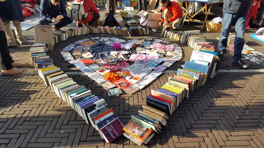 Book talkers meet at fair