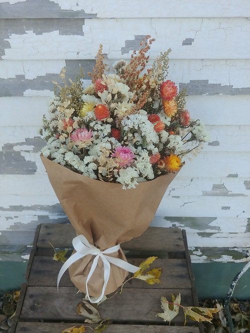 Dried Floral Bouquet from @kirasflowers