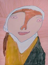 vrouw met witte hoofdsjaal op gestreepte achtergrond