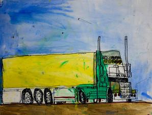 gele camion in blauwe lucht