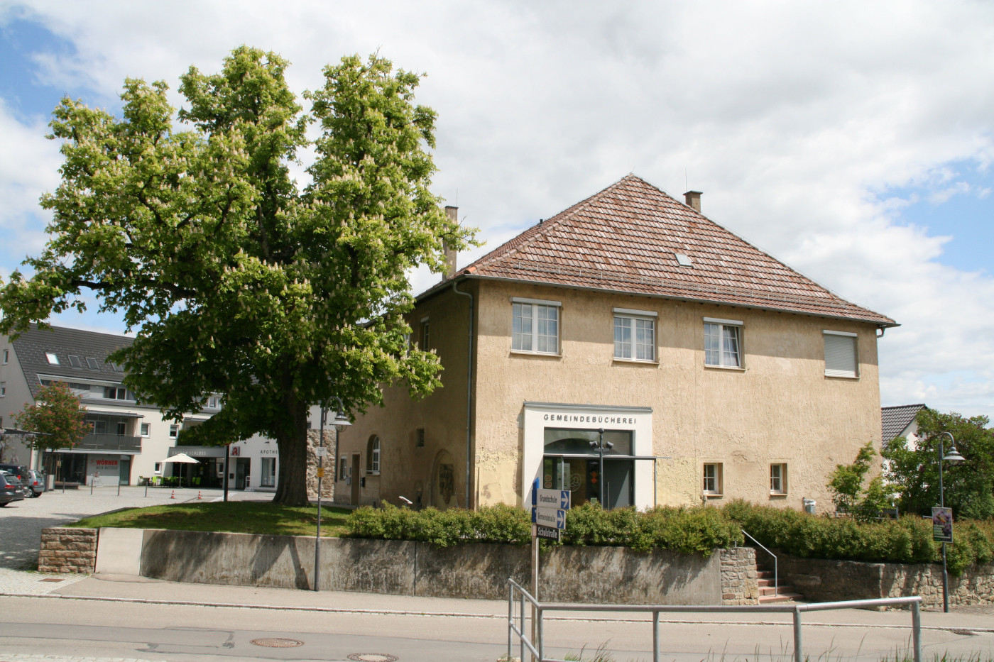 Bild_9_Gemeindebücherei.jpg