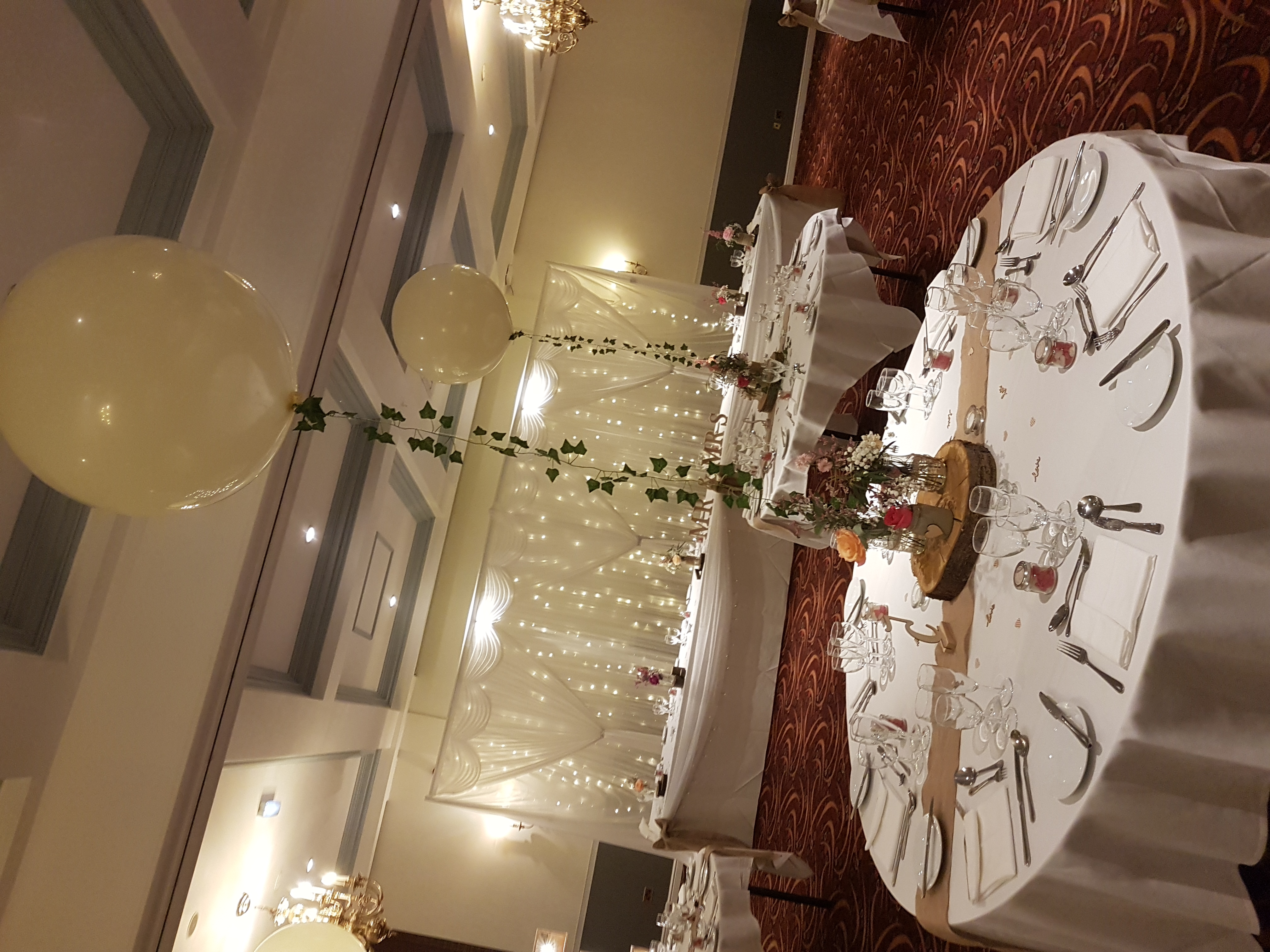 Ivory 3ft balloon with ivy