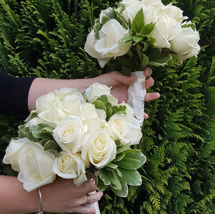 Fresh rose and pitto bridal bouquet