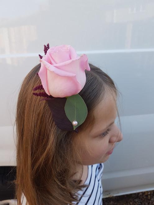 Fresh pink rose & astilbe comb