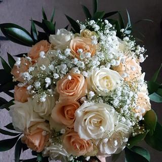 Fresh Peach & Ivory Rose & Gyp Bouquet