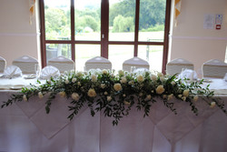 Fresh Ivory long top table decoration
