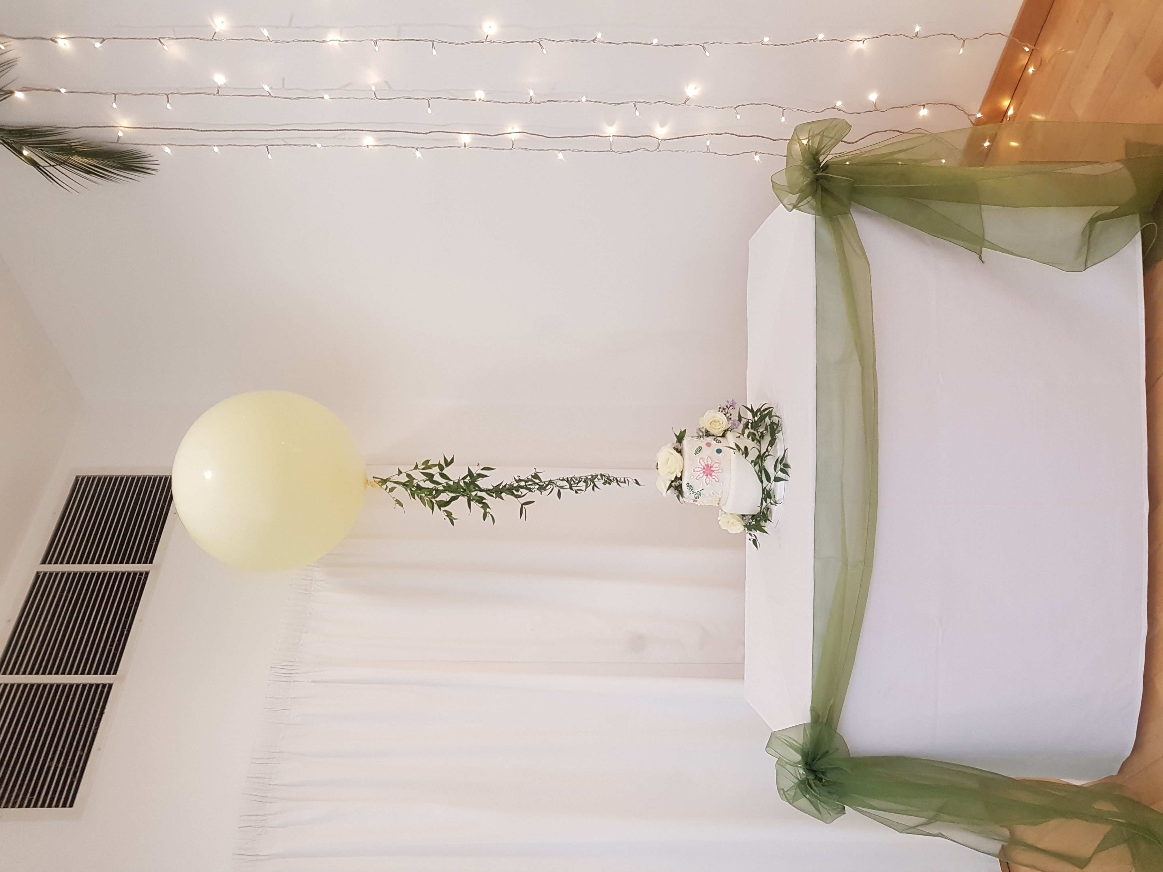 Ivory 3ft Balloon with fresh foliage