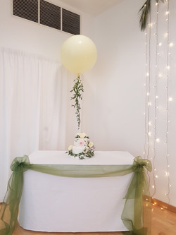 Ivory 3ft Balloon with fresh foliage
