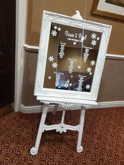 Vinyl White Ornate Mirror & Easel Table Plan