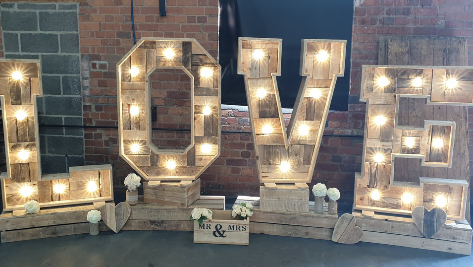 4ft Rustic LED Love Letters & Crates