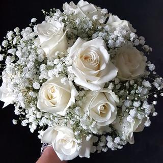 Fresh Ivory Rose & Gyp Bouquet