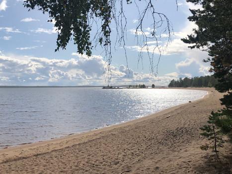 Kesällä yhdistä vierailuun vene- tai laivamatka Ärjänsaareen