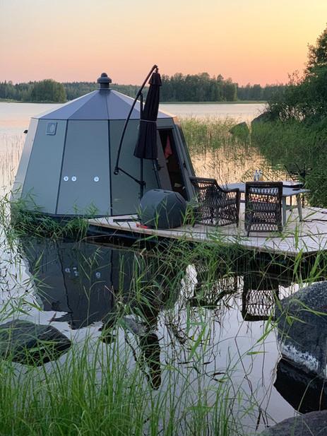 Aurora Hut iglu on vakaa ja turvallinen