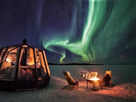 Koe yö Oulujärven jäällä lämpimässä iglussa
