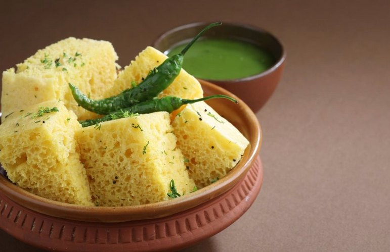 Gujarati Food Khaman .png