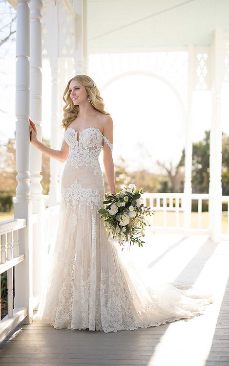 Wedding Dress with Handcrafted Lace - Real Bride Front - Martina Liana