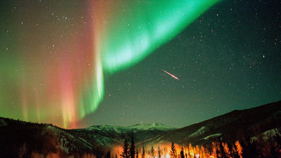 Aurora_Meteor_Nauman.jpg