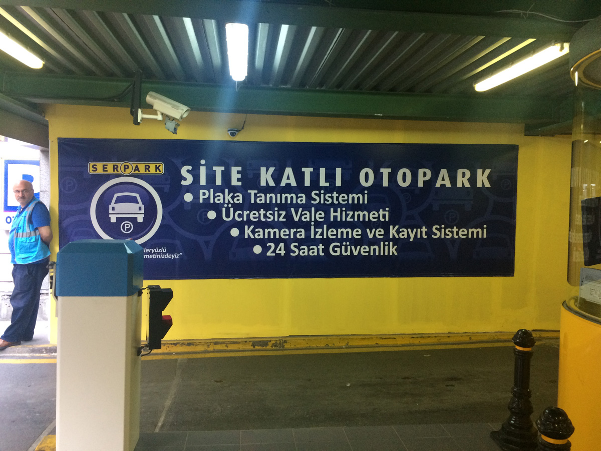 Site Katlı Otoparkı Vinil Afiş