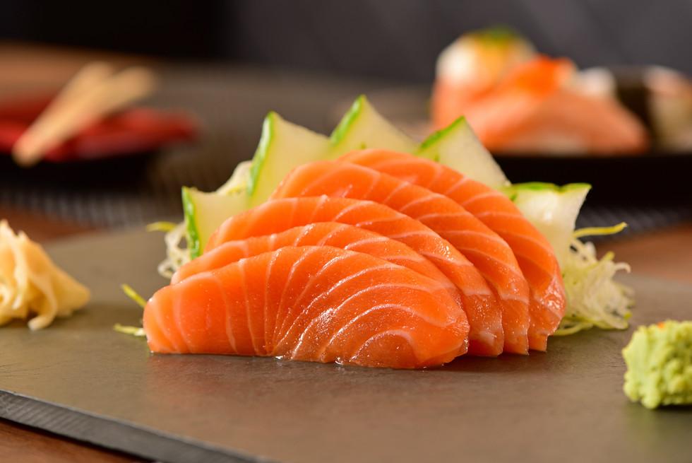 salmon sashimi.jpg