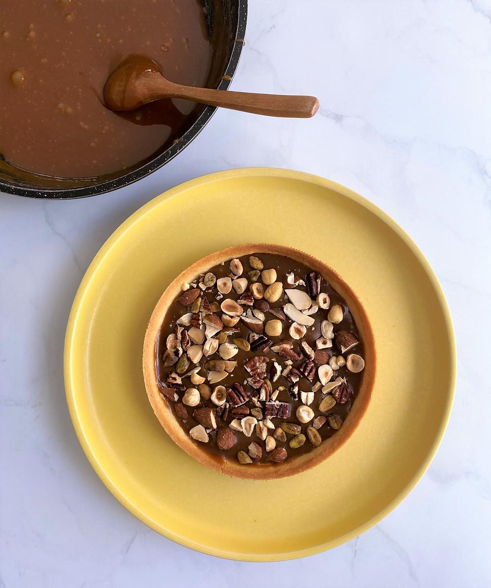 טארט אגוזים שוקולד וקרמל מלוח