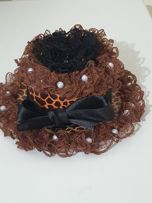 Easel hat card with pearls