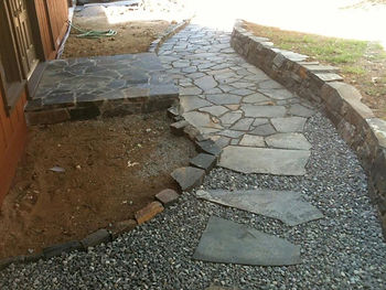 Stone path in mixed joint media