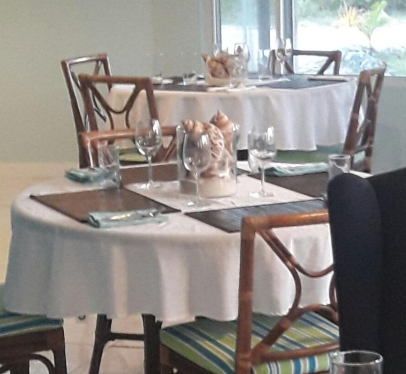 Dining room - Island Cuisine