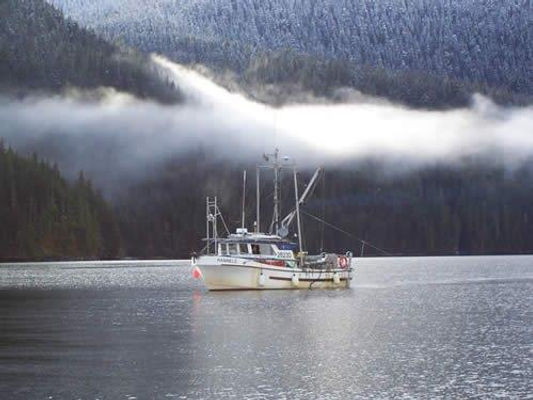 fishing-boat-near-tofino (002).jpg