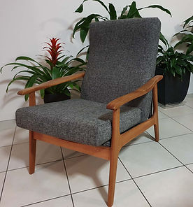 RETRO TV CHAIR FOR SALE GOLD COAST AREA 4200 1.jpg