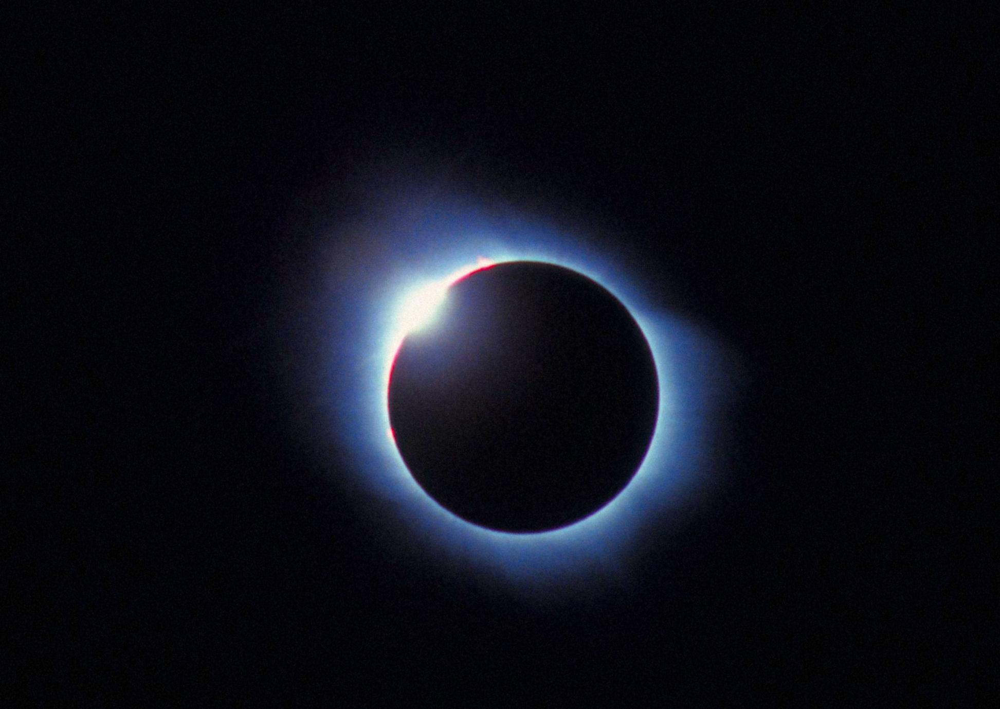 EclisseTotale-AnelloDiamante