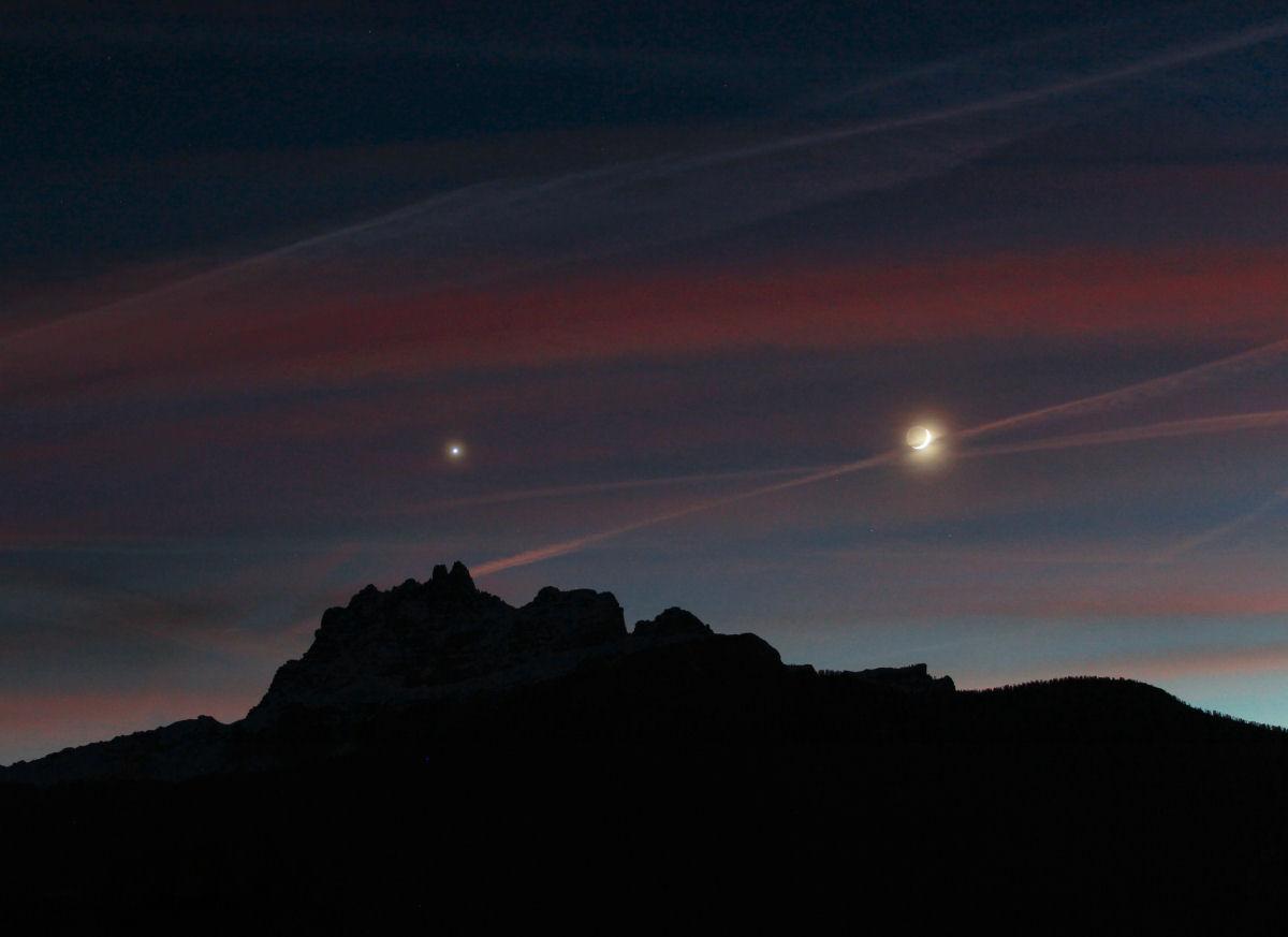 Luna e Venere sopra la Croda da Lago