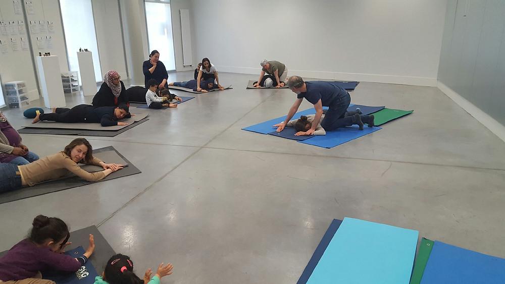 """Le Pôle de Thérapeutes dans l'Atelier de """"Prévention par les massages"""" organisé par l'association La Soucoupe"""