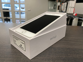 Apple iPhone 8 Plus 64GB Ezüst Független